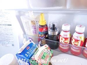 冷蔵庫に入れたにんにく醤油入れ