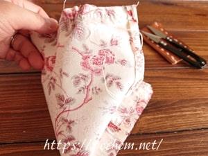 布製スマホスタンドを手縫いで縫う(1)